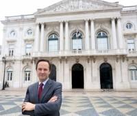 Новый мэр Лиссабона, Фернандо Медина, обещает более доступные цены на аренду жилья в столице